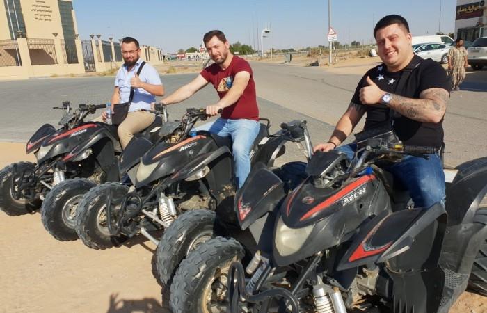 Bei einer Fahrlehrerausbildung bei der Smile Schule ist die Abschlussfahrt nach Dubai im Preis inklusive